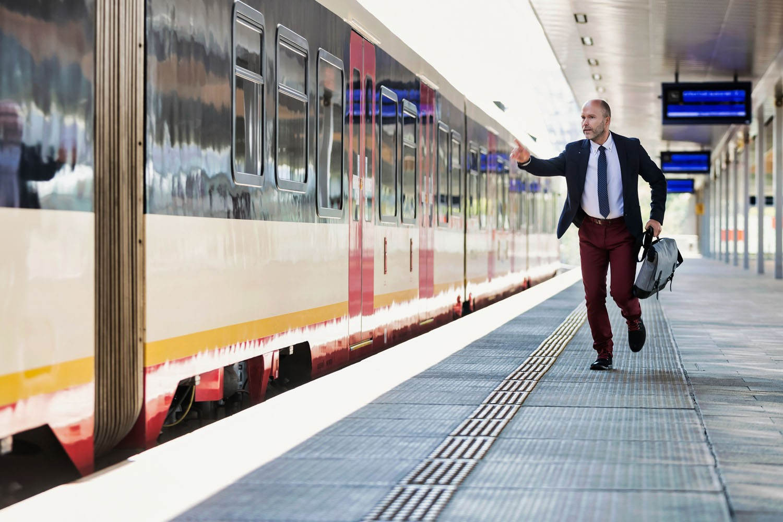 doorrijdende trein web